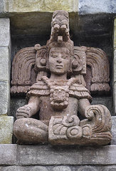 mayan-statue-geoffrey-wallace